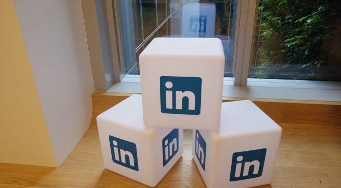 LinkedIn è uno dei migliori strumenti on line per cercare contatti lavorativi su internet